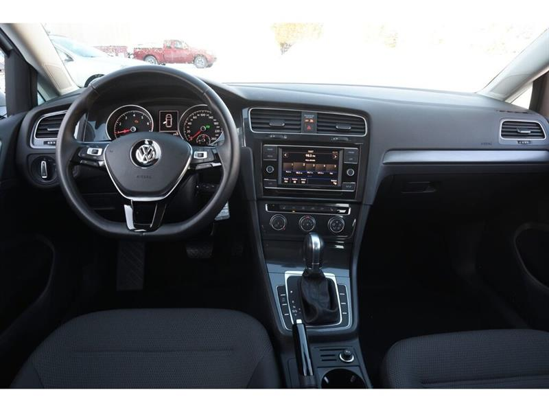 Volkswagen Golf 24