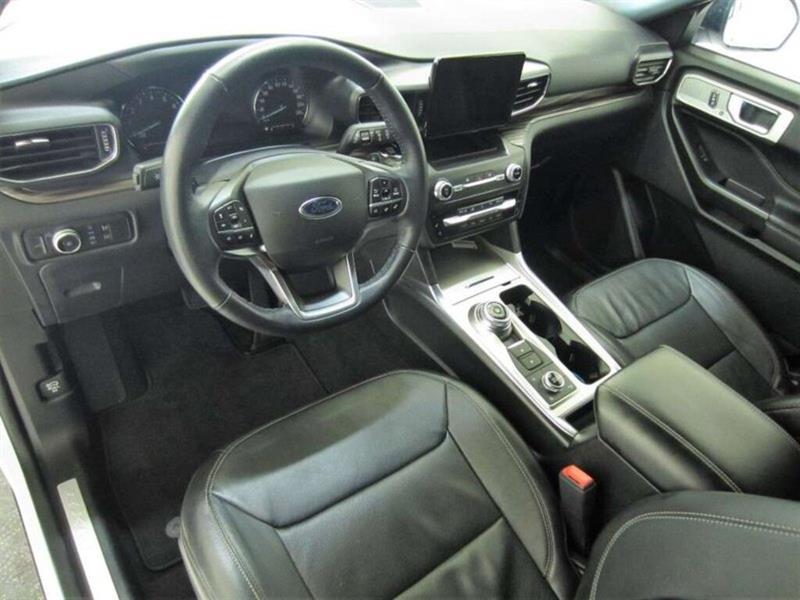 Ford Explorer 8