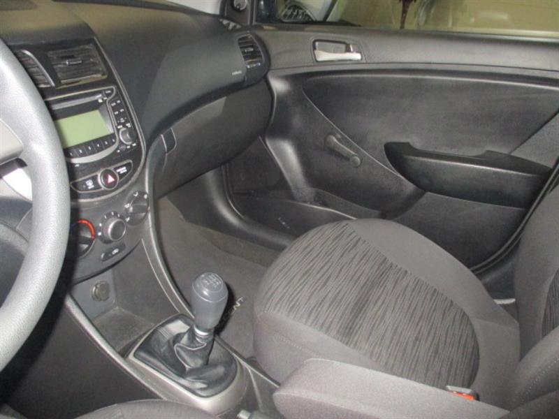 Hyundai Accent 17