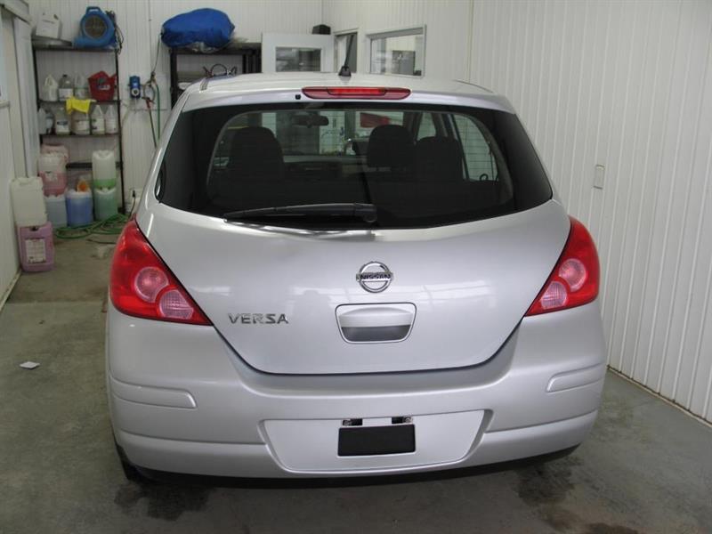 Nissan Versa 2