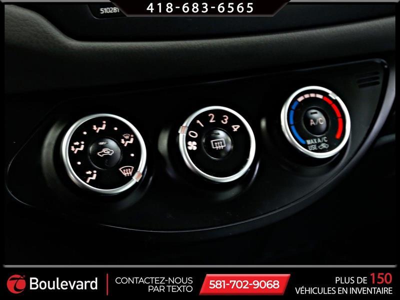 toyota Yaris Hatchback 2019 - 30