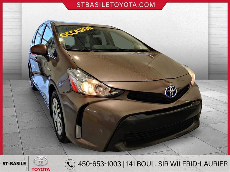Toyota Prius V 3