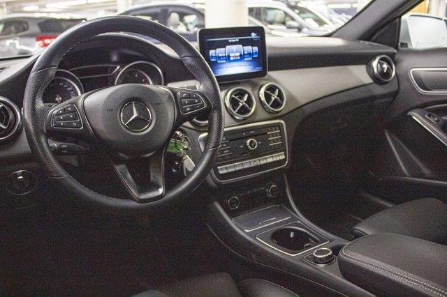 Mercedes-Benz GLA-Class 6