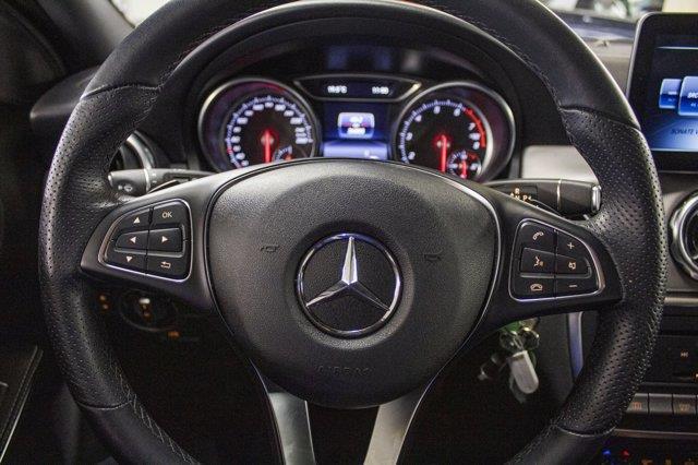 Mercedes-Benz GLA-Class 8