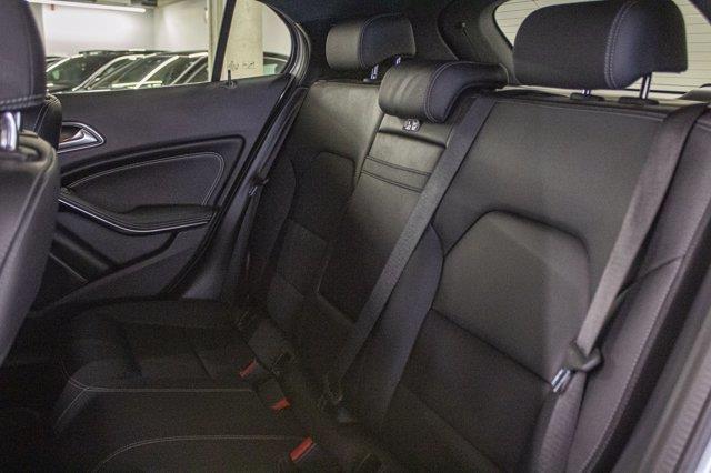 Mercedes-Benz GLA-Class 22