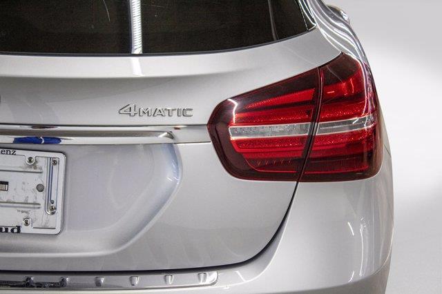Mercedes-Benz GLA-Class 24