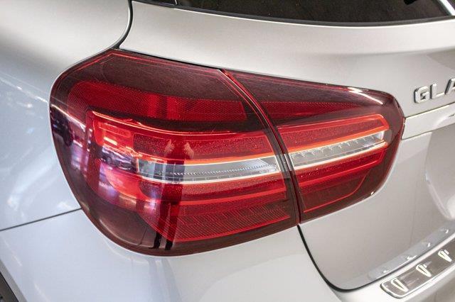 Mercedes-Benz GLA-Class 26