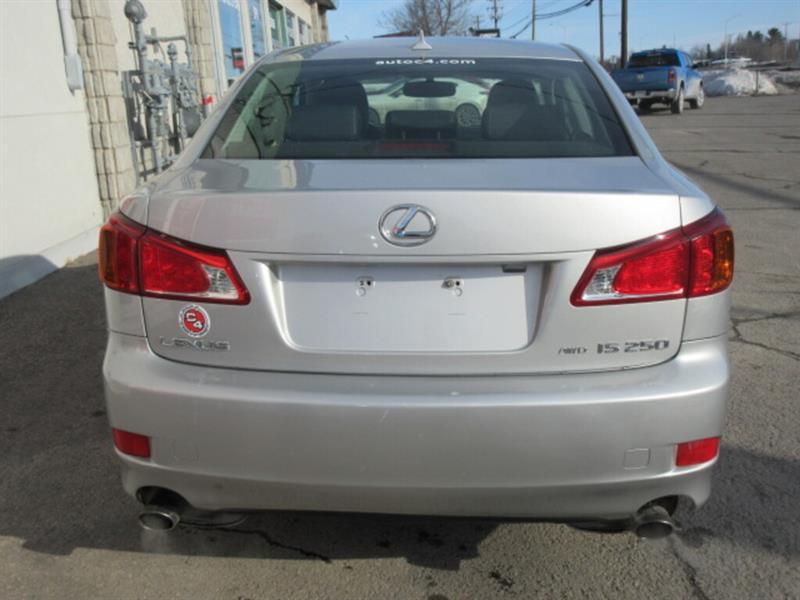 Lexus IS 250 8