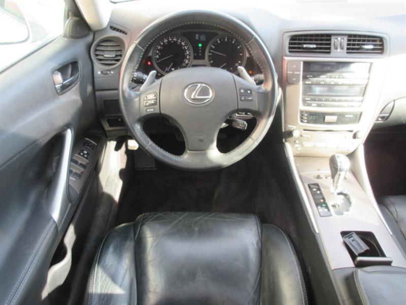 Lexus IS 250 11