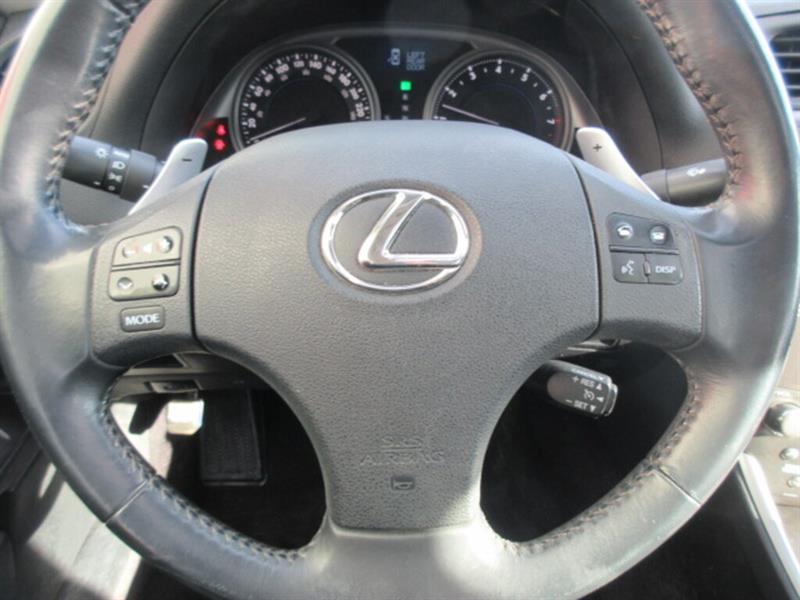 Lexus IS 250 12