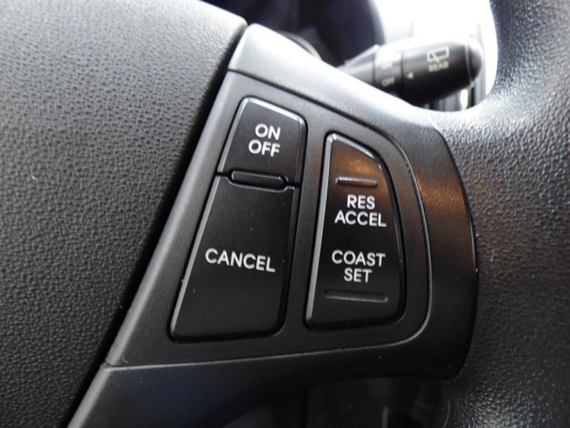 Hyundai Elantra 21