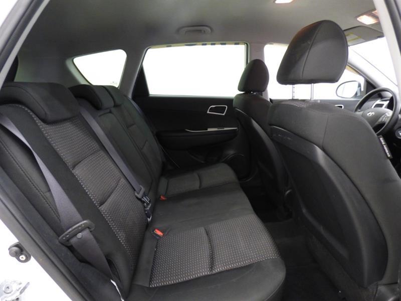 Hyundai Elantra 25