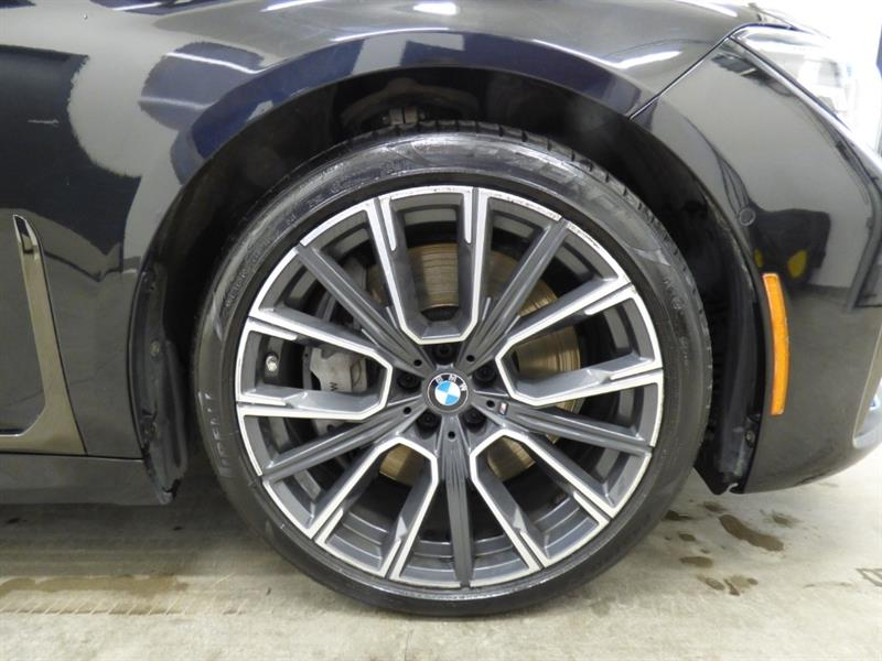 BMW 7 Series 35