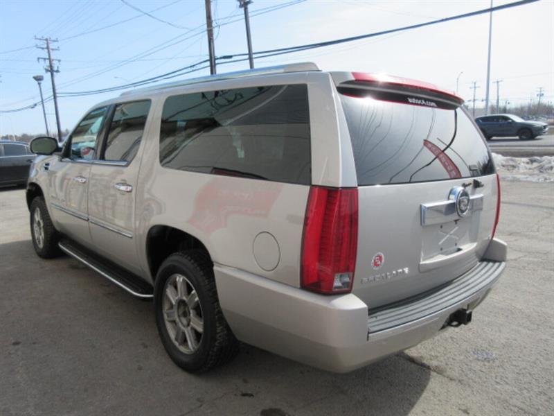 Cadillac Escalade 9