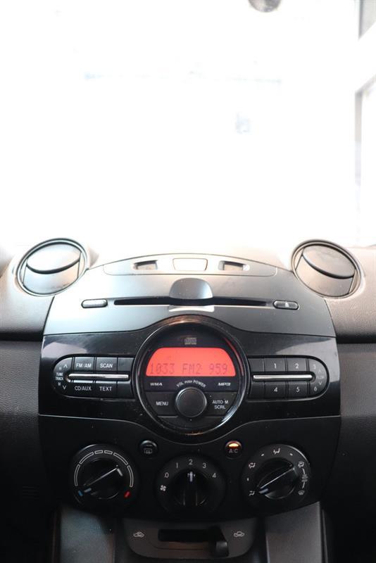 Mazda 2 17