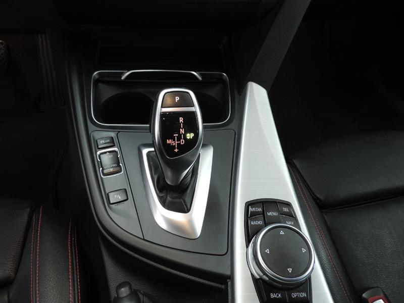 BMW 3 Series Sedan 15