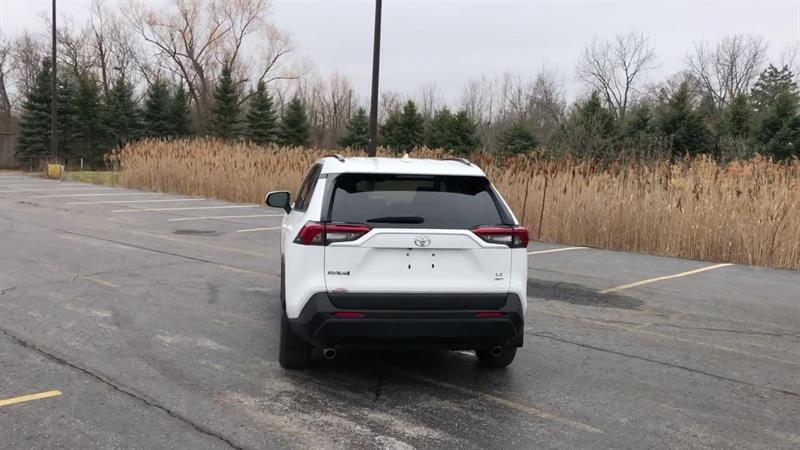 toyota RAV4 LE AWD 2020 - 7