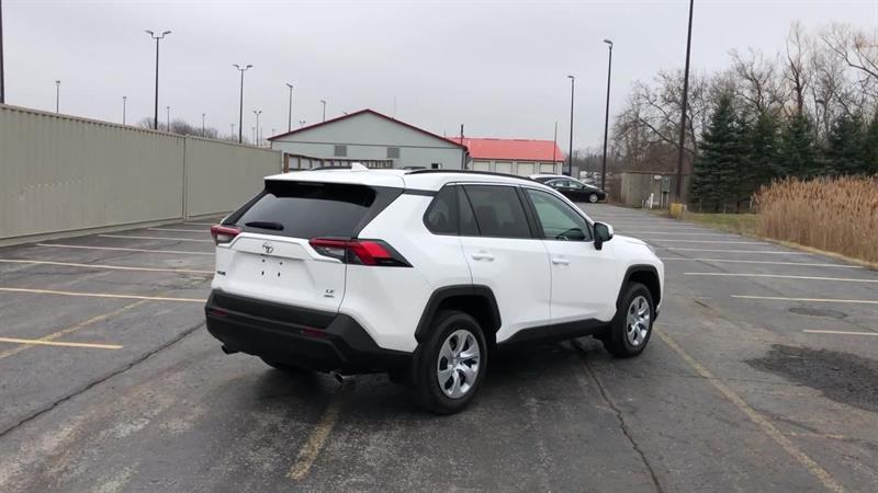 toyota RAV4 LE AWD 2020 - 8