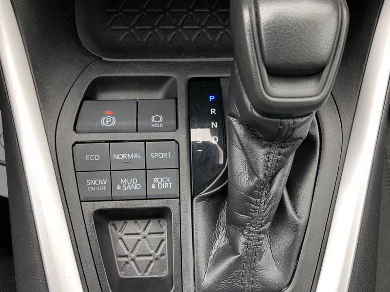 toyota RAV4 LE AWD 2020 - 21
