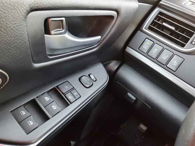 toyota Camry Hybrid 2017 - 11