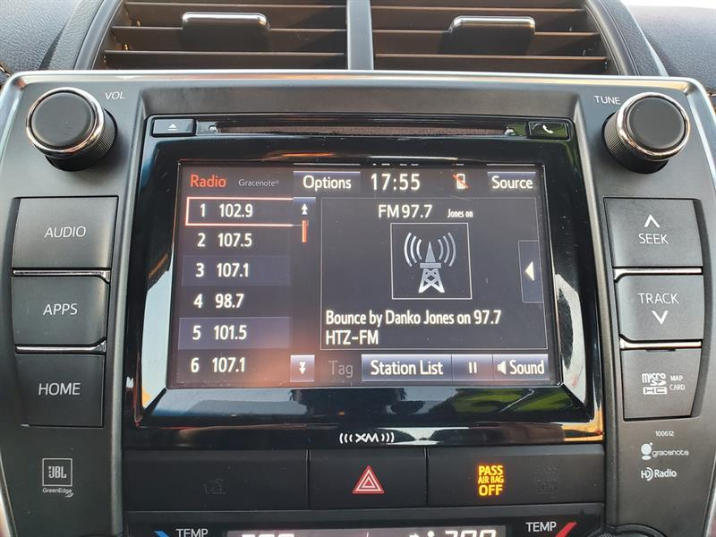 toyota Camry Hybrid 2017 - 21
