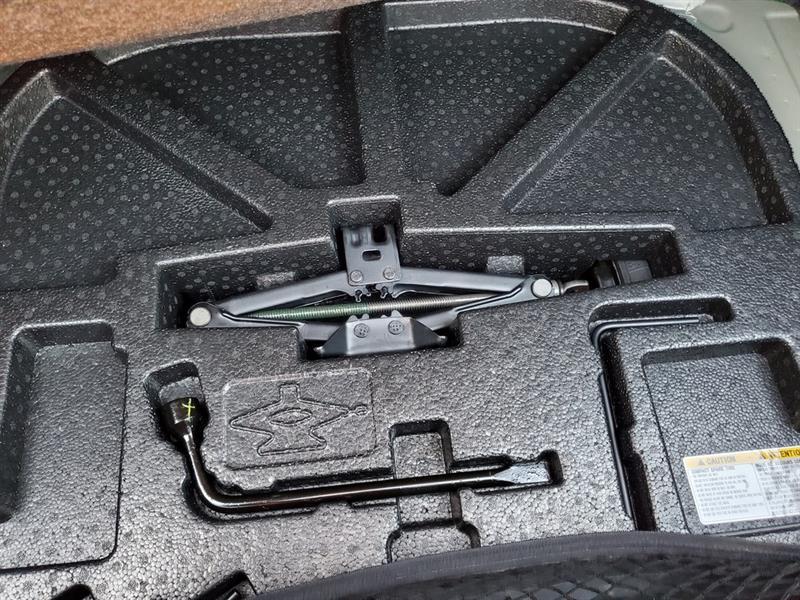 toyota Camry Hybrid 2017 - 41