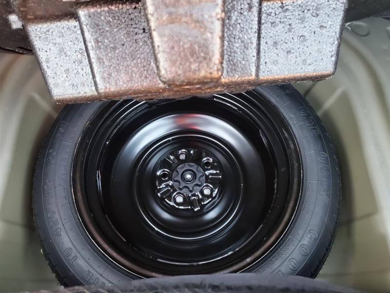 toyota Camry Hybrid 2017 - 42