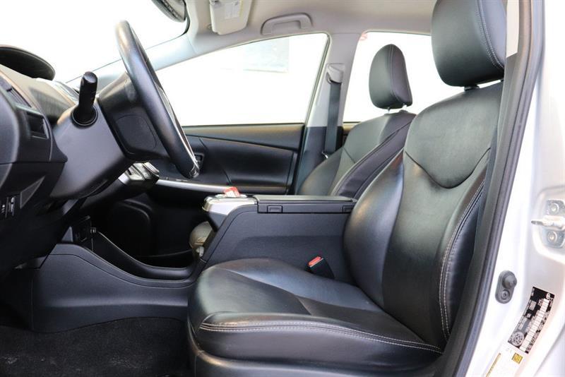 toyota Prius v 2016 - 7