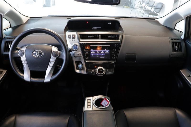 toyota Prius v 2016 - 8