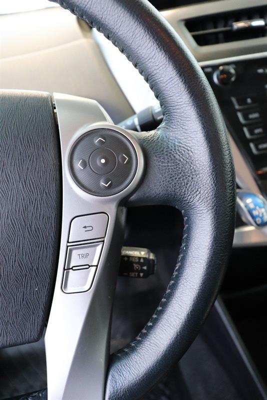 toyota Prius v 2016 - 11