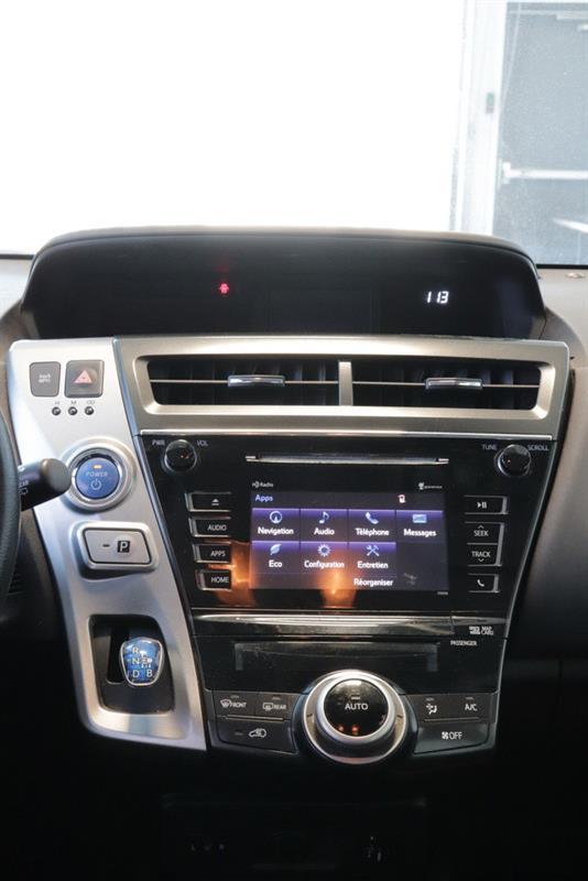 toyota Prius v 2016 - 13