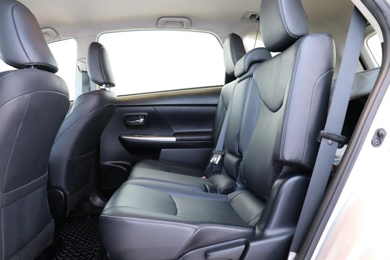 toyota Prius v 2016 - 19