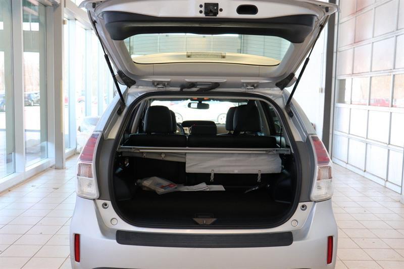 toyota Prius v 2016 - 22