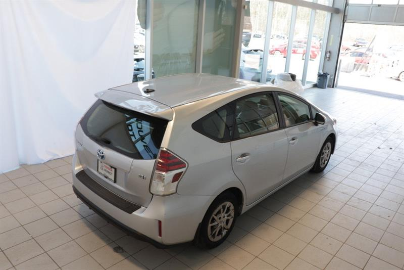 toyota Prius v 2016 - 23