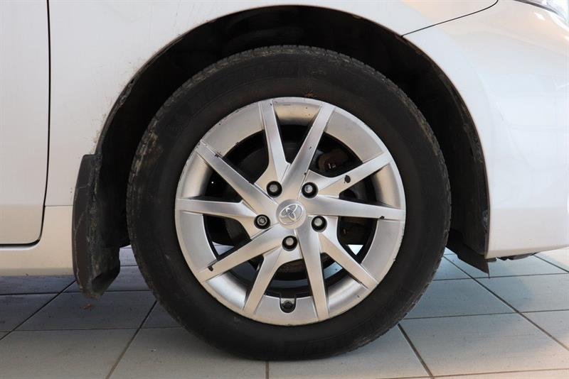 toyota Prius v 2016 - 24