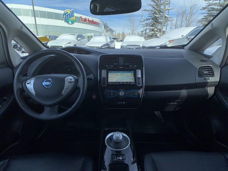 Nissan LEAF 16