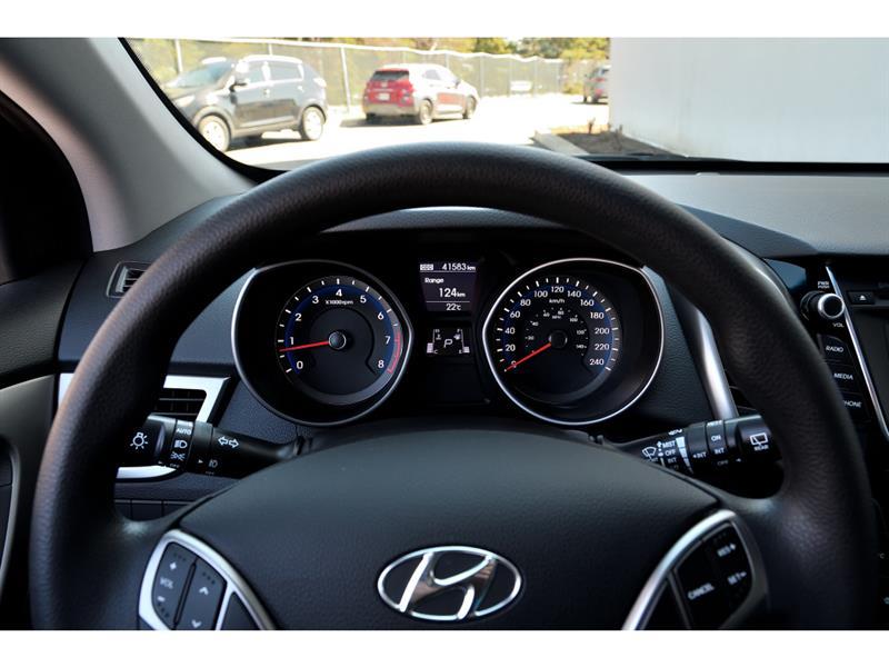 Hyundai Elantra GT 10