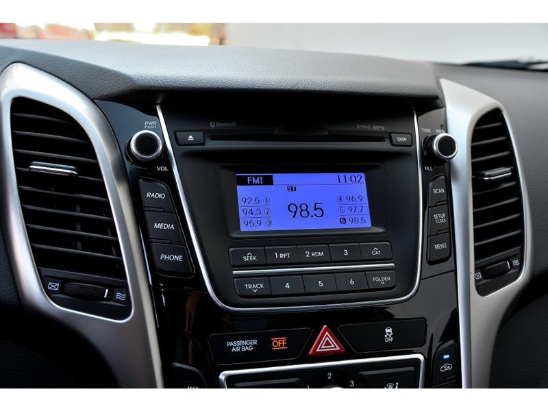 Hyundai Elantra GT 14