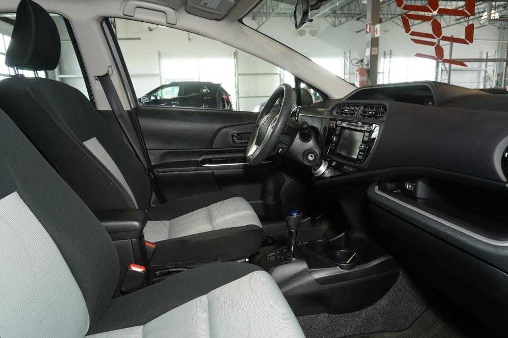 toyota Prius 2016 - 11