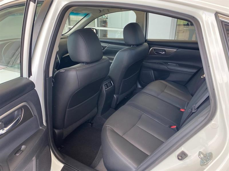 Nissan Altima 33