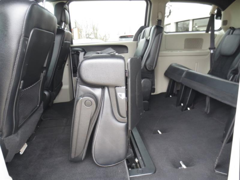 Dodge Caravan 14
