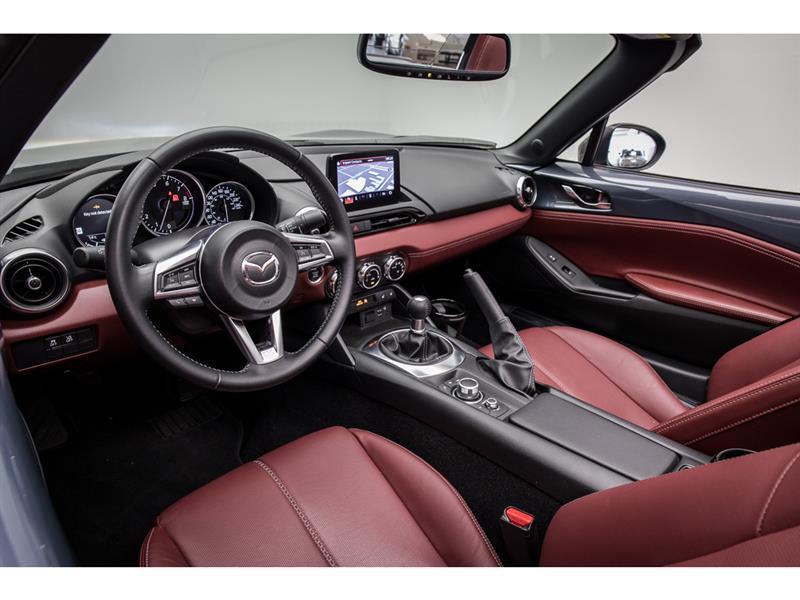 Mazda MX-5 16