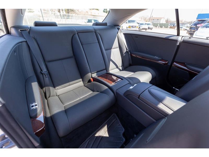 Mercedes-Benz CL-Class 32