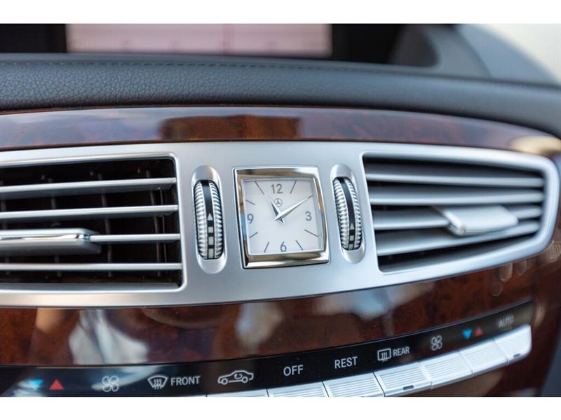 Mercedes-Benz CL-Class 38