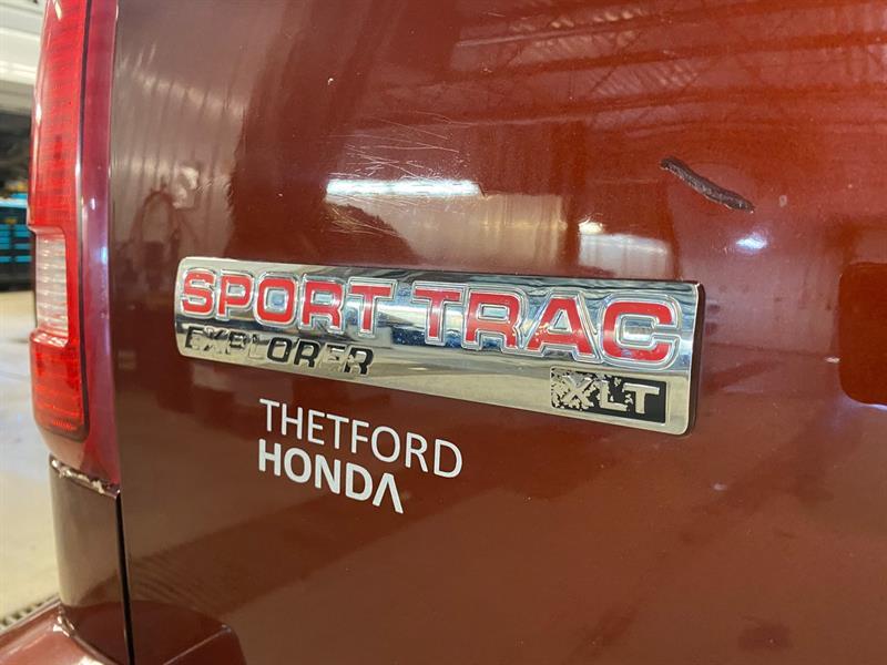 Ford Explorer Sport Trac 7