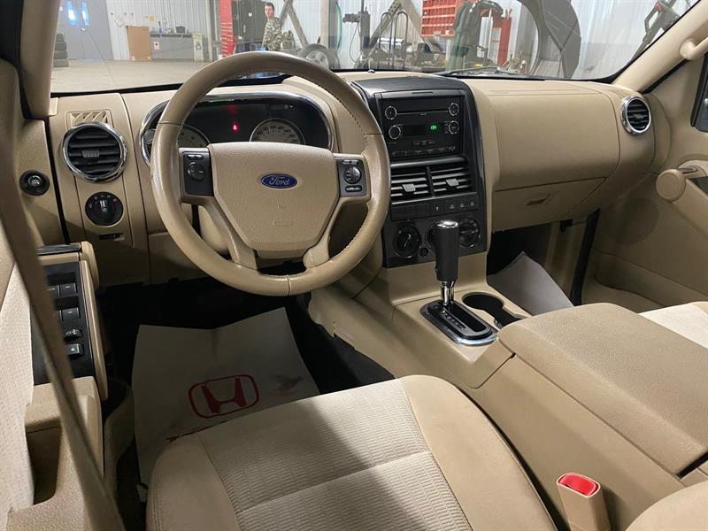 Ford Explorer Sport Trac 11