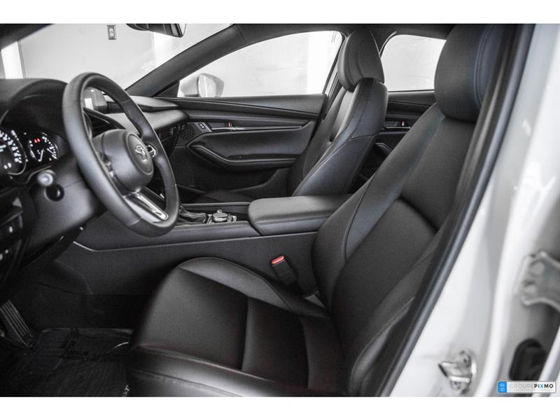 Mazda 3 Sport 14