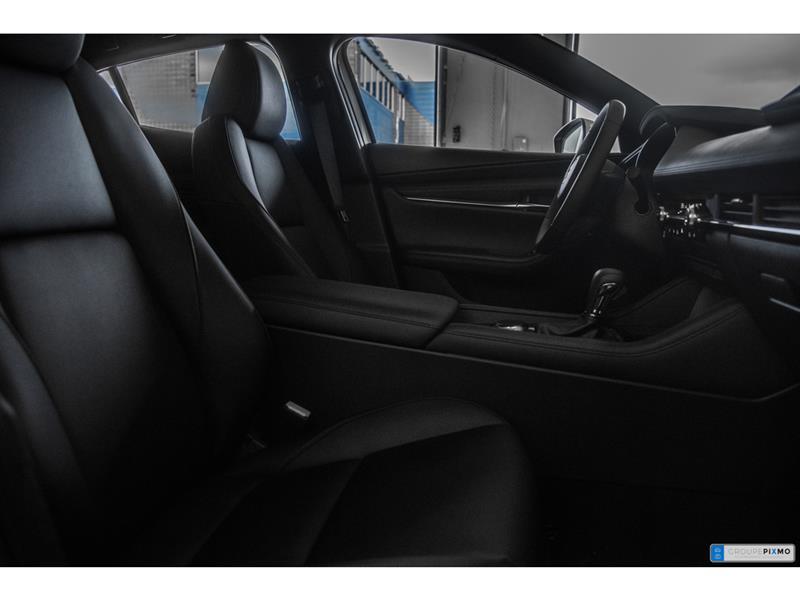 Mazda 3 Sport 33