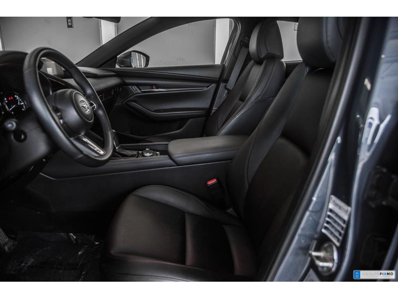 Mazda 3 Sport 13