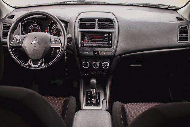 Mitsubishi RVR 27